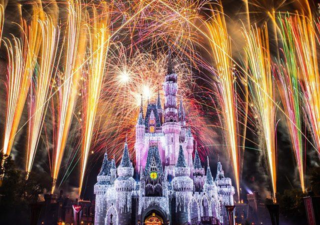 Espectáculo de fuegos artificiales de Disney Magic Kingdom Park