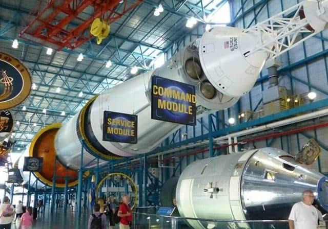 Lanzamiento de un cohete en la NASA de Orlando   Kennedy Space Center