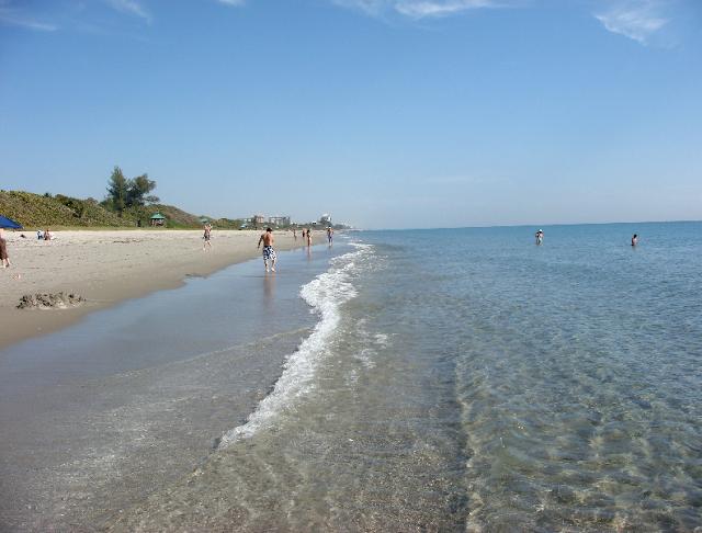 Personas en playa de Boca Ratón
